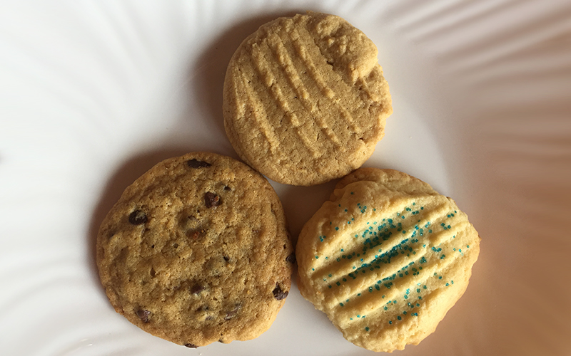 Small Cookies: Chocolate Chip, Peanut Butter & Sugar